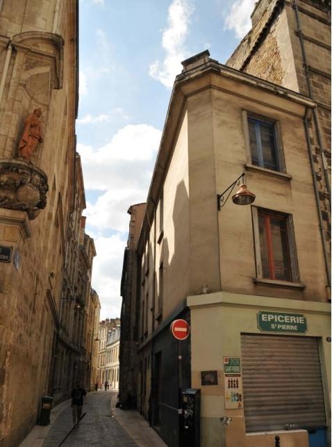 Vue sur la Place Saint-Pierre